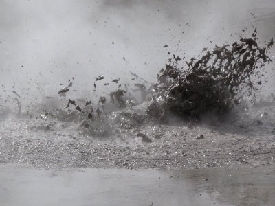 Rotorua-boiling-mud-#1