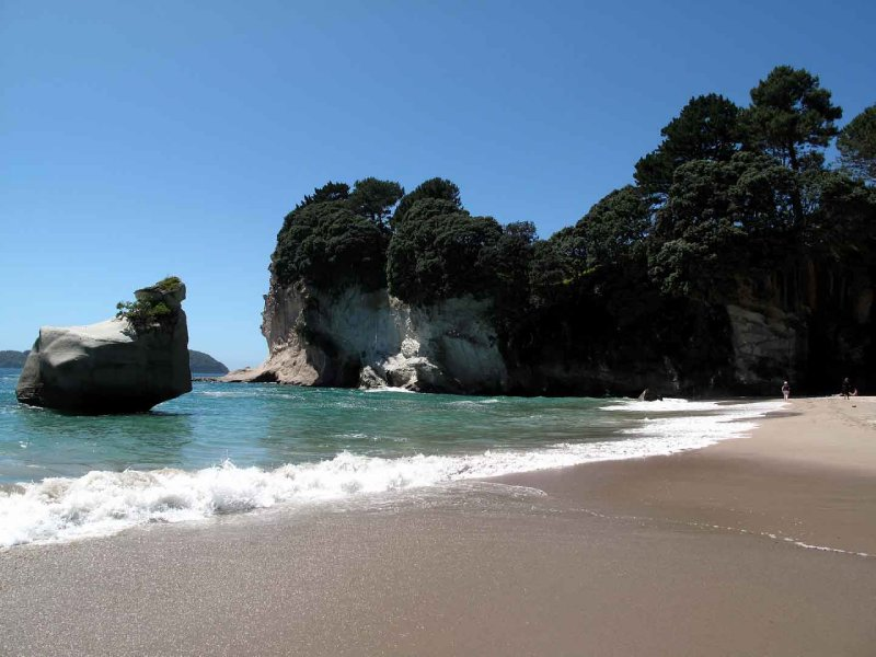 large_Cathedral_Cove_beach.jpg