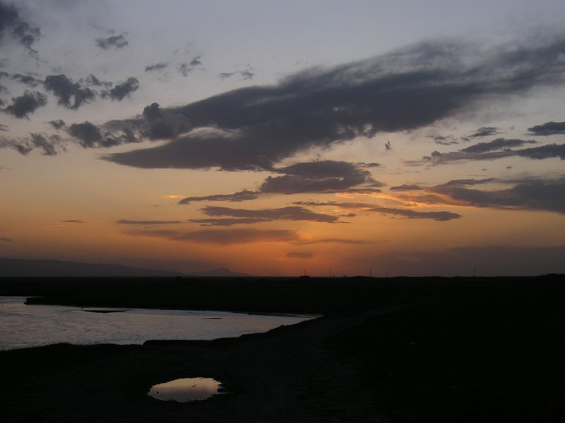 Dusk around Qinghai lake