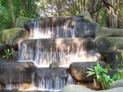 2009-10-19..cascade.jpg