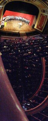 Panorama_o..udience-adj.jpg