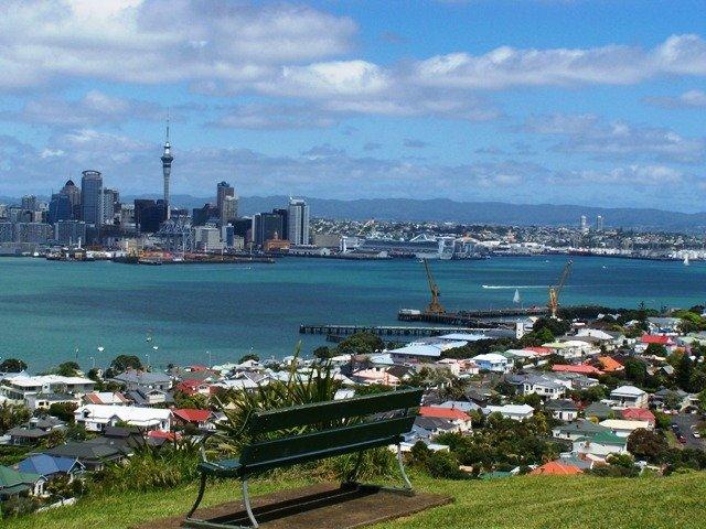 2009-11-01 Auckland skyline