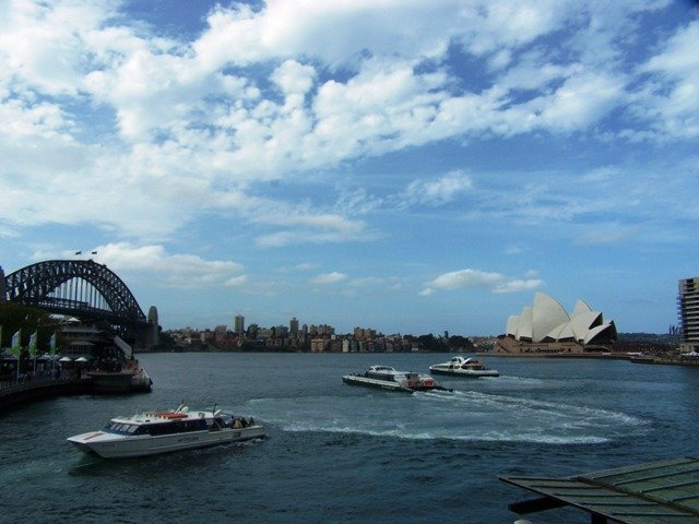 Opera_House-1_and_Bridge