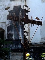 Cross-outside-San-Francisco-el-Grande-Church
