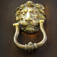 9b-Door-Knocker.jpg