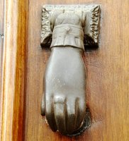 9d-Door-Knocker.jpg