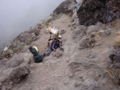 Porters climbing from Barranco to Karanga