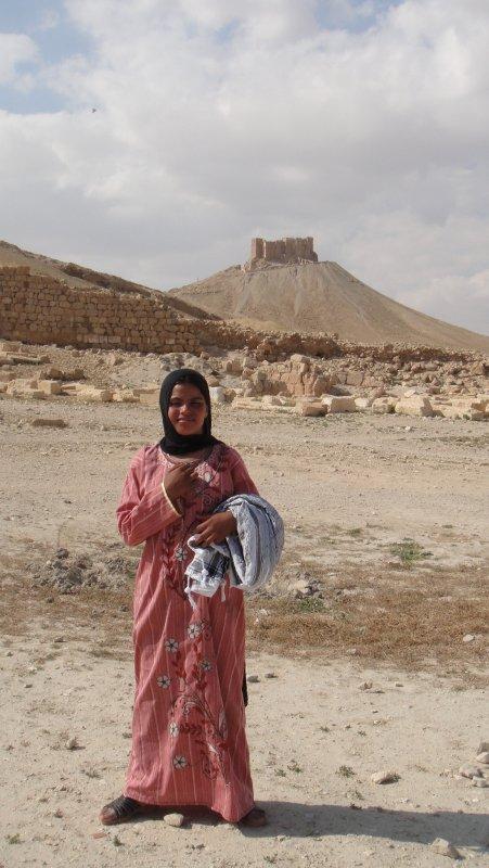 large_Bedouin_gi..__Syria.jpg