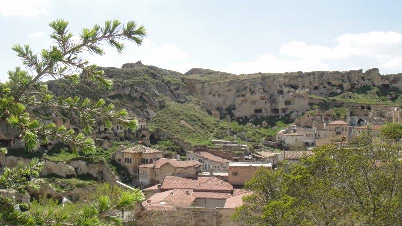 large_Cave_house.._Turkey.jpg