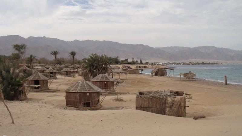 large_Deserted_b..__Egypt.jpg