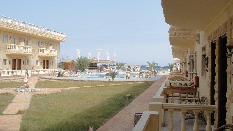 large_Deserted_h..__Egypt.jpg