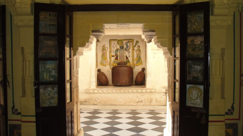 large_Doorway_in..__India.jpg