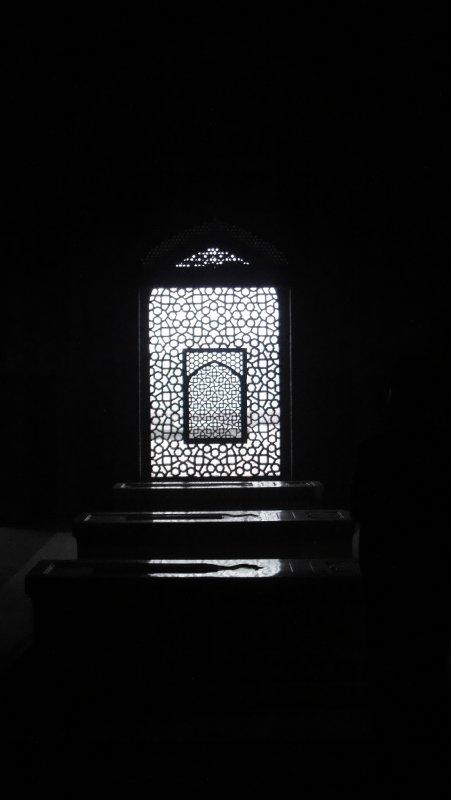 large_Inside_Hum..__India.jpg