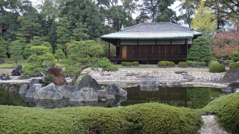 large_Nijo_Castle_-_Garden.jpg