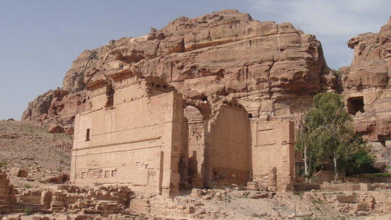 large_Qsaral-Bin.._Jordan.jpg