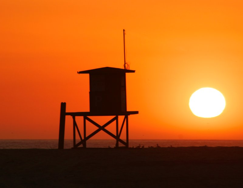 Sun Set lifeguard station