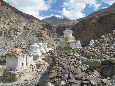 stupas__Hunder.jpg