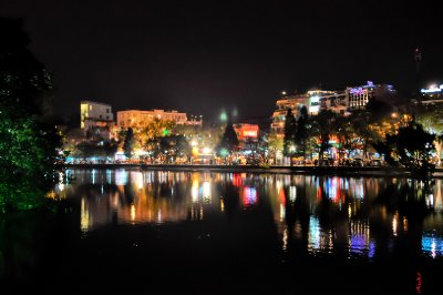 Hoan Kiem by night