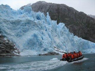 Cruise Glaciar zodiac