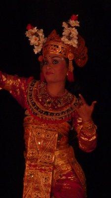 Dancing Bali lady