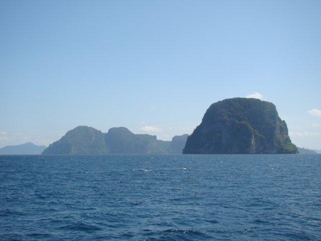 Islands between Lanta and Lipe
