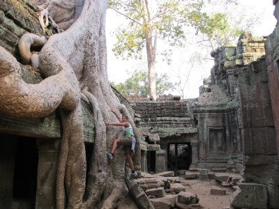 La jungla se comio a la cultura Angkor en Ta Phrom