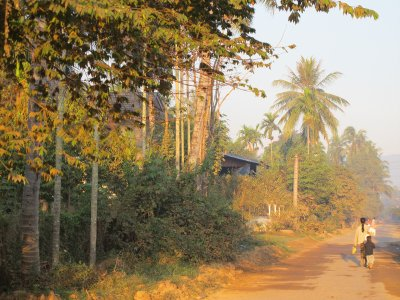 Amanecer en Attapu, Laos