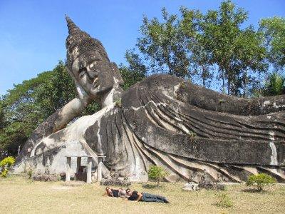Los tres Budas reclinados de Vientiane, Laos