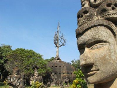 La calabaza y un Buda en el Parque Buda