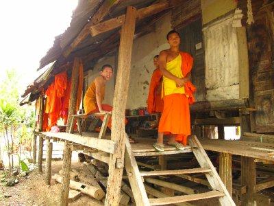 Que simpáticos son los monjes en Luang Prabang
