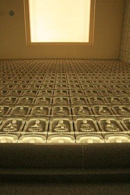 Walls of Buddhas