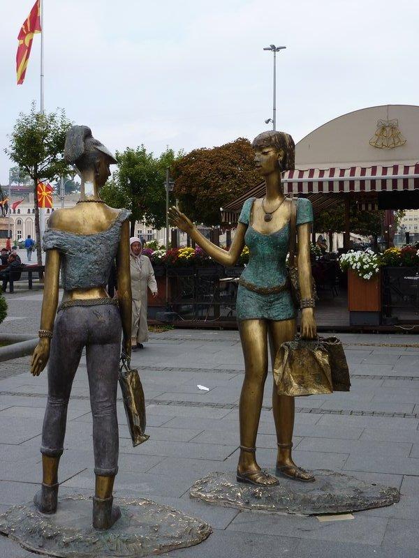 Skopje even shoppers get a statue