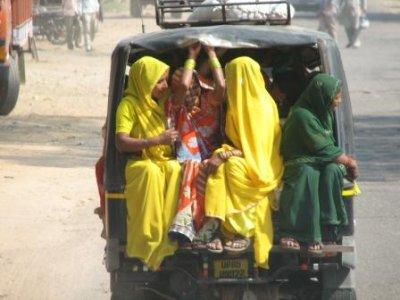 11_saris_b..f_truck.jpg
