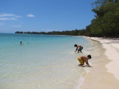 2_beach_w_boys.jpg