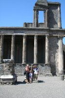 Pompei_-_Basilica.jpg