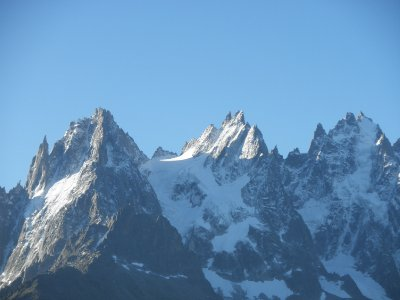 I guess they run out of names as these peaks got names such as 'Aig. de fou' (crazy mountain), dent du Caiman, dent du Crocodile, Aig. du Grepon, Aig. des Grds Charmoz, Aig .de la Republique (really!)
