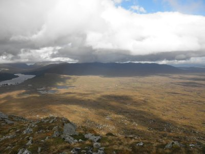 Lochaber: from Leum Uillein (906m) looking to the beautiful Moorland and Loch Ossian