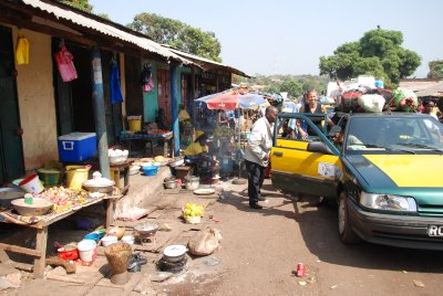 Market on the way to Conakry