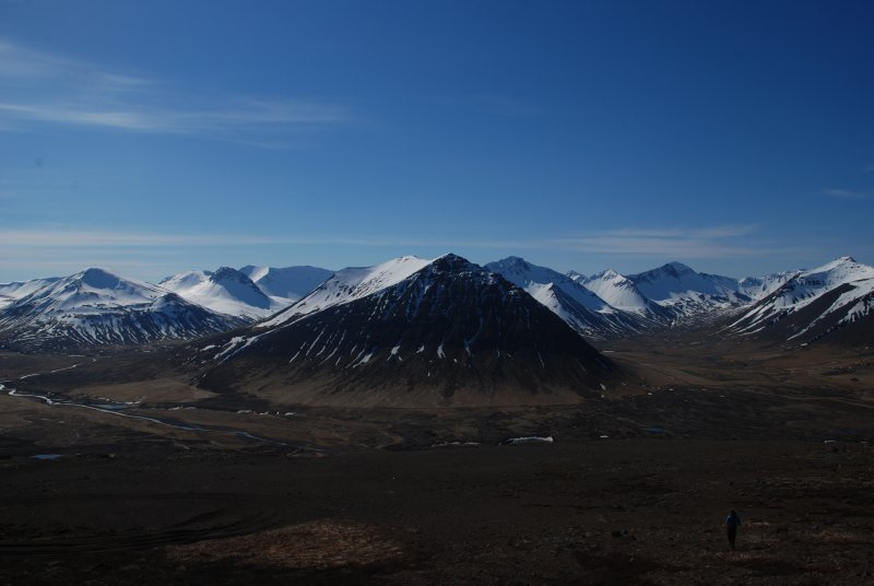From Pingeyri you had a beautiful view towards the 'mountains' of Iceland. One really had the impression to be looking at 3-4000ers whereas the mountains were just ca 700 m high