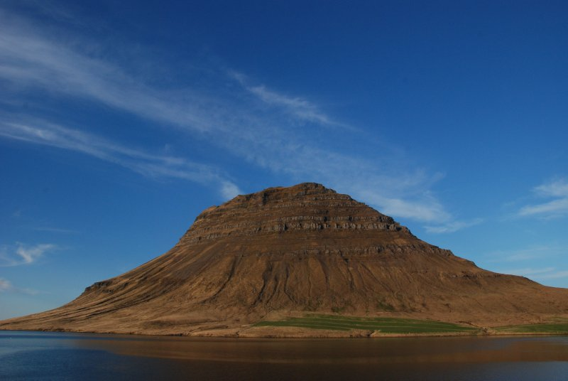 The Kirkjufell - the symbol of Grundarfjördur - 463m - some say it is the most beautiful mountain in Iceland. Although it is a nice one we did not agree on this view.