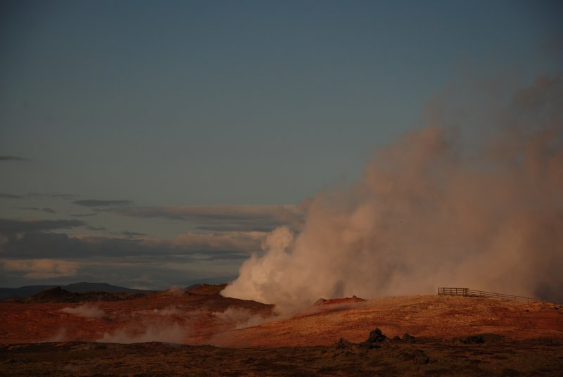 Instead of the touristic blue lagoon we went to Reykjanes with the Gunnuhver hot spring