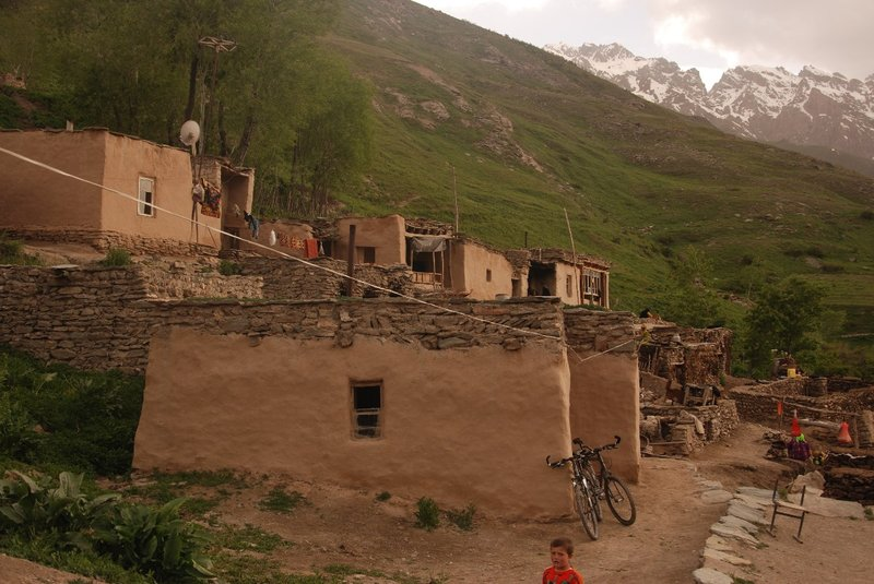 Staying over in a small village (Mekan) at the other side of the valley is Kashi at same altitude (2500m).