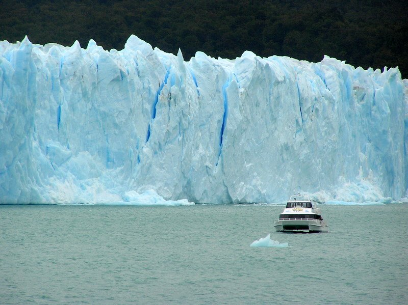 Glacier  Wall and Boat