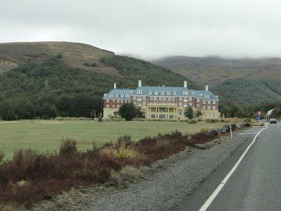 Chateau_Tongariro.jpg