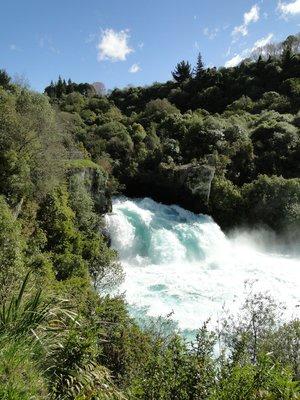 Lake_Taupo..Falls_2.jpg