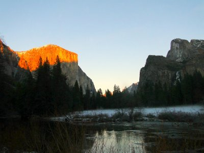 Yosemite_i..r_at_sunset.jpg