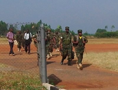 Army arriving from duty in South Sudan