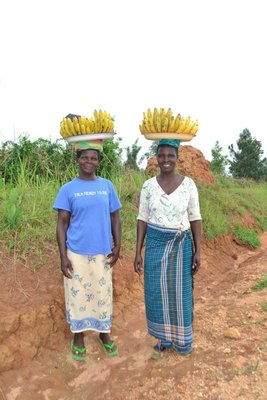 Ladies walking 10km to sell bananas