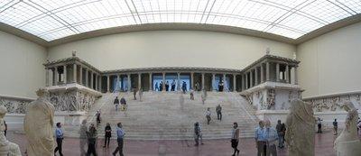 Pergamon_Museum_Berlin_1.jpg