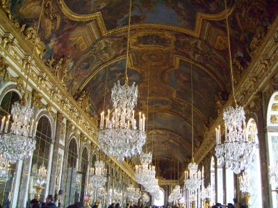 hall of mirrors in Versailles